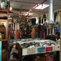 Photo taken at Brooklyn Junk by Katie F. on 11/11/2014