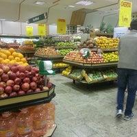 Foto tirada no(a) Master Supermercados por Teo V. em 6/7/2013