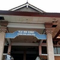 Photo taken at Pasar Bringkit by Koming K. on 12/22/2013