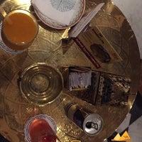 Foto diambil di Naguib Mahfouz Cafe oleh Dhary A. pada 8/23/2015