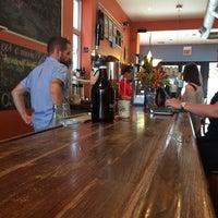 Das Foto wurde bei Dark Matter Coffee (Star Lounge Coffee Bar) von Omar A. am 8/29/2014 aufgenommen