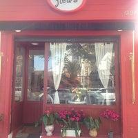 Photo taken at Café des Fleurs by Fernanda N. on 7/11/2013