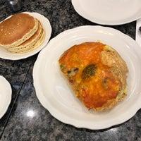 รูปภาพถ่ายที่ Richard Walker's Pancake House La Jolla โดย Abdulaziz เมื่อ 9/3/2017