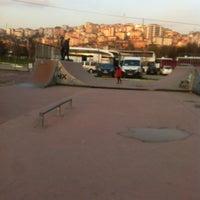 Das Foto wurde bei Alibeyköy Skatepark von Berke D. am 3/20/2016 aufgenommen