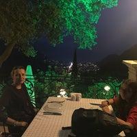 รูปภาพถ่ายที่ Paradise Garden Restaurant Bar โดย Mehmet Şevket C. เมื่อ 9/2/2018