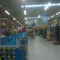 Photo taken at Supermercado Cidade Alternativo by Ícaro C. on 5/20/2013