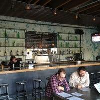 รูปภาพถ่ายที่ Jay's Bar โดย Ashley F. เมื่อ 6/13/2013