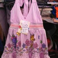 Photo taken at mr.men and little miss เสื้อผ้าเด็ก แบรนด์เนม อายุ 1-12 ปี ลดราคา 50-70% วันศุกร์ เว้นศุกร์ ตลาดข้าง กฟผ. by Chatchai J. on 6/21/2013
