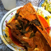 Photo taken at Restoran Malauwi by Faizan D. on 5/2/2013