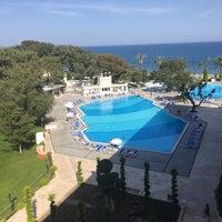 Снимок сделан в Mirada Del Mar Resort пользователем Begüm B. 4/15/2018