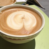 Photo taken at La Boulange de Palo Alto by Samantha A. on 7/27/2013