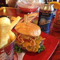 Photo taken at Red Robin Gourmet Burgers by Justin B. on 7/15/2013