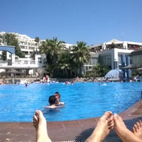 Photo taken at İsis Hotel Pool by Polat&Yeliz on 8/6/2014