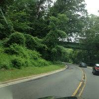 รูปภาพถ่ายที่ Rock Creek Running Trail โดย Divina P. เมื่อ 7/28/2013