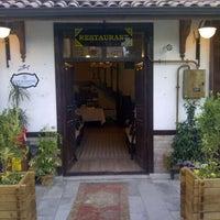 7/16/2013 tarihinde Serdar N.ziyaretçi tarafından Lokmahane Restaurant'de çekilen fotoğraf