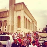 Photo taken at جامع أبي بكر الصديق by Mohsin A. on 4/26/2013