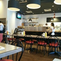 Photo taken at Dunn's Famous Restaurant & Delicatessen by Michael S. on 9/26/2015