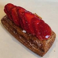 Foto tirada no(a) Fuji Bakery por Myra K. em 2/6/2015