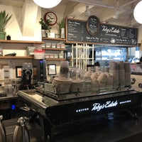 Снимок сделан в Toby's Estate Coffee пользователем Martina S. 2/11/2017