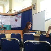 Photo taken at Gedung Cakra UTM by abdul a. on 6/26/2013