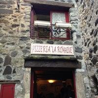 Photo taken at Pizzeria La romaine by Hans D. on 8/8/2013