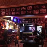 7/5/2013 tarihinde Fatih Y.ziyaretçi tarafından Livane Cafe & Bar'de çekilen fotoğraf