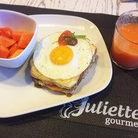 Photo taken at Juliette Gourmet by Rosangela T. on 10/14/2016