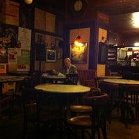 6/24/2013 tarihinde Dnesyaziyaretçi tarafından Café Hawelka'de çekilen fotoğraf