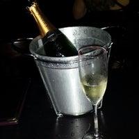 Foto tirada no(a) Cenarium Lounge Bar por Gabriella N. em 10/19/2013