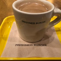 Photo taken at Freshness Burger by syü ☆. on 1/7/2018