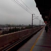 Photo taken at Mayur Vihar Phase I Metro Station by jilmil j. on 8/19/2013
