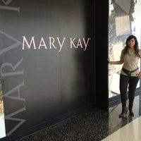 Photo taken at Mary Kay Cosmetics de Mexico (Corporativo) by karluSChka on 5/30/2013