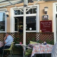 Photo taken at Pizzeria Castelnuovo by Natercia L. on 7/12/2015