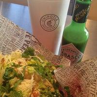 Das Foto wurde bei Chipotle Mexican Grill von goko.usa am 3/4/2013 aufgenommen