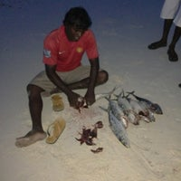 Photo prise au Kumundhoo Beach Side par Pher-riu E. le6/25/2013