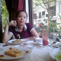 Photo taken at Nha hang Tu Do by Shadi A. on 3/16/2013