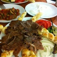 9/3/2013に☑️VedatがKervan Kebap ve Lahmacun Salonuで撮った写真