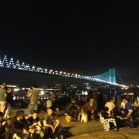 Foto tirada no(a) Ortaköy Sahili por Veysel Y. em 6/14/2013
