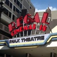 Снимок сделан в Regal Cinemas New Roc 18 IMAX & RPX пользователем Albert F. 7/7/2013