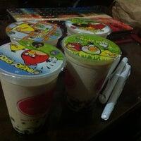 Das Foto wurde bei Berry Yummy Italian Yogurt von Pat C. am 5/29/2014 aufgenommen
