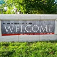 5/5/2013 tarihinde Rick S.ziyaretçi tarafından Folger Shakespeare Library'de çekilen fotoğraf
