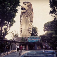 Photo taken at Sentosa Merlion by Monthon S. on 10/28/2012