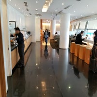 Photo taken at Cathay Pacific First and Business Class Lounge by Terence F. on 11/30/2017