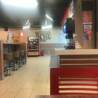 2/3/2018 tarihinde Peter A.ziyaretçi tarafından Burger King'de çekilen fotoğraf