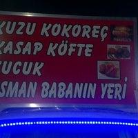 Photo taken at Kokoreççi Osman Baba(Meşhur Yenibağlar Kokoreççisi) by Selahattin Mert B. on 8/8/2013