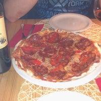 Foto tirada no(a) Presto Pizza Baixa por Airton J. em 5/24/2013