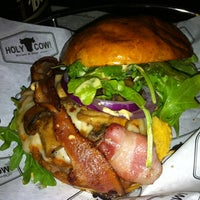 Photo taken at HolyCow Burger & Beer  Joint by Maucsita on 6/15/2013