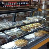 9/6/2014에 Cesar Z.님이 Panaderia Valentina에서 찍은 사진