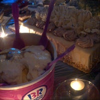Photo taken at Baskin Robbins by Moon S. on 6/11/2013