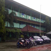 Photo taken at SMAN 71 Jakarta by Andika on 6/15/2014